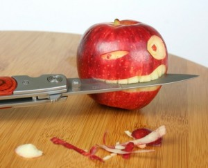 apple with knife