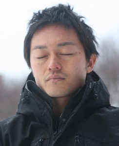 Taka meditating in the snow